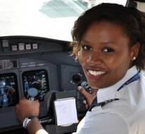 9 charmantes femmes africaines officiellement et pratiquement pilotes d'avion