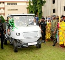 Ghana : des étudiants ont fabriqué un robuste 4×4 fonctionnant à l'énergie solaire